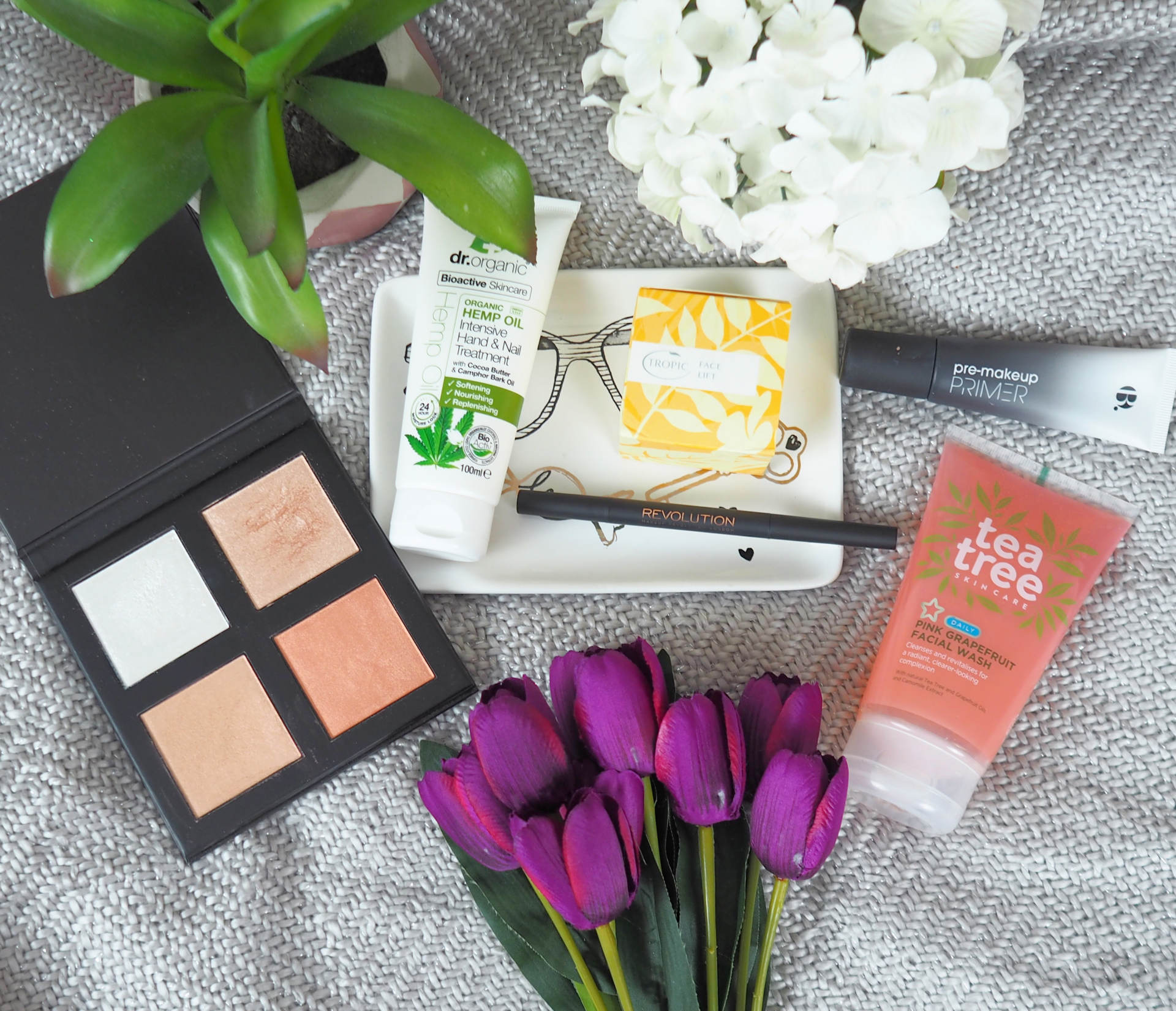 April favourites the beauty must haves the curvaceous vegan april favourites the beauty must haves izmirmasajfo